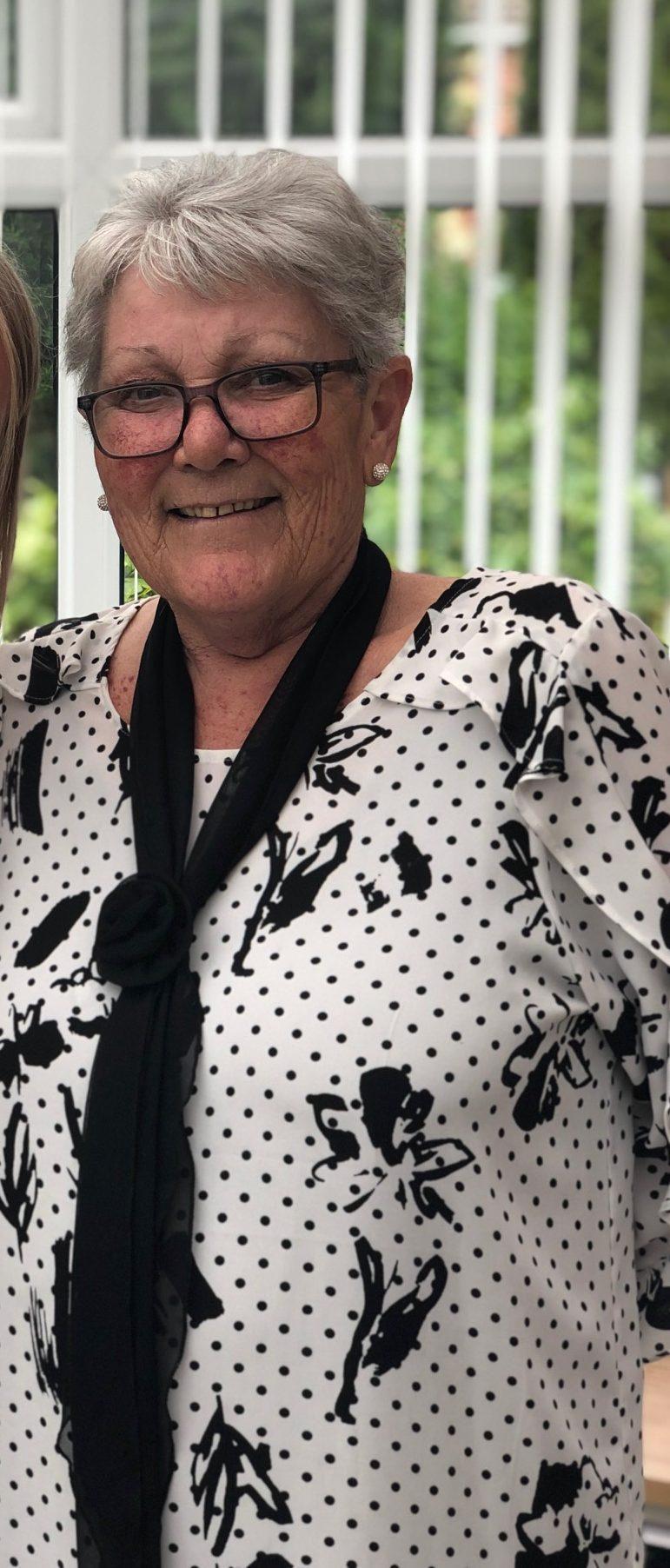 Linda Helen Knight